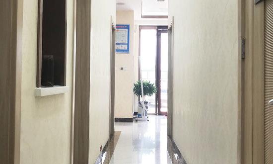 济南嘉丽医疗美容诊所过道