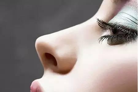 玻尿酸注射隆鼻能维持多久时间?