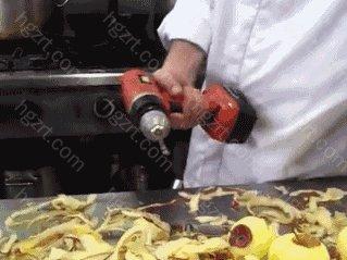 大约是两个苹果的重量