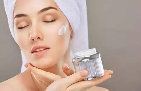 皮肤暗沉怎么改善啊?