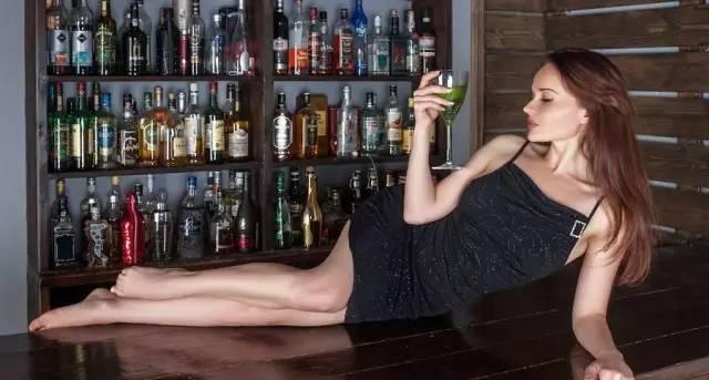 为什么打完瘦脸针后不能喝酒?