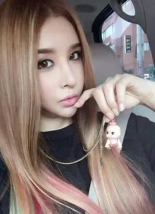 是什么成就了韩国最美变性人河莉秀?