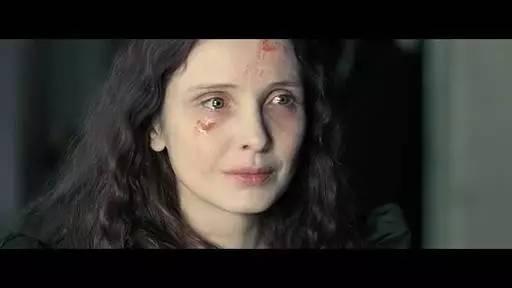 整形美容医院优惠 吓死宝宝了,为了保持青春美丽,她竟然用处女血洗脸!