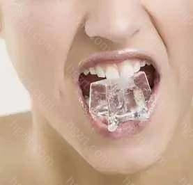 如温度(冷、热)、化学物质(酸、甜)以及机械作用(摩擦或咬硬物)等所引起的酸痛症状